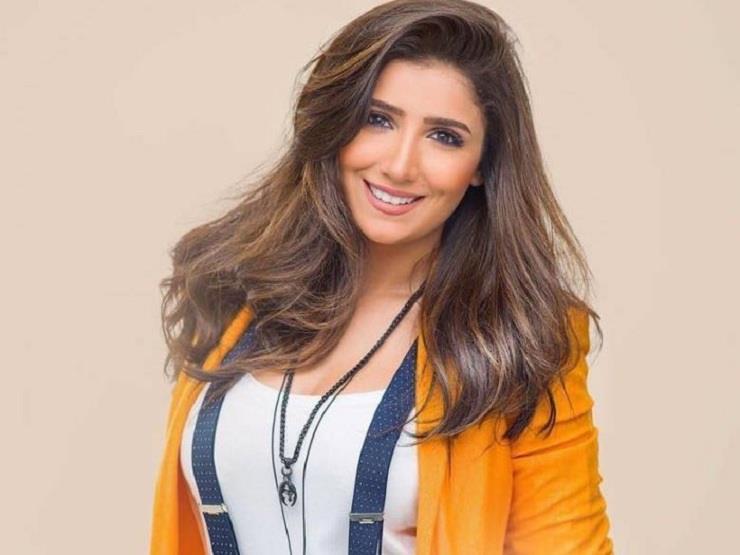 """Photo of مى عمر تظهر بملابس الفتاة الشعبيه"""""""