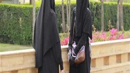Photo of حكم نهائي.. الإدارية تحظر ارتداء النقاب على عضوات تدريس جامعة القاهرة