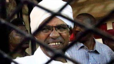"Photo of السودان توافق علي تسليم  ""البشير"" للمحاكمة الدولية"