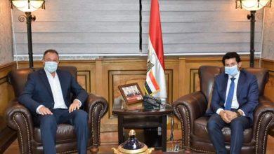 Photo of وزير الرياضة يستقبل رئيس النادى الأهلى لبحث رد تبرعات تركي آل الشيخ