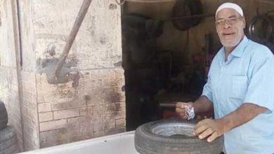 Photo of «من فات قديمة تاه».. حسين أبوحجاج يعود للعمل في ورشة «الكاوتش»