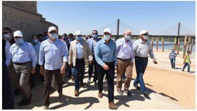 Photo of رئيس الوزراء يتفقد محور كلابشة وأعمال ازدواج طريق القاهرة أسوان الصحراوي