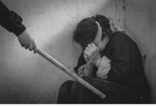 Photo of زوج يحاول قطع زراع زوجته بسبب تعرضها للمعاكسة