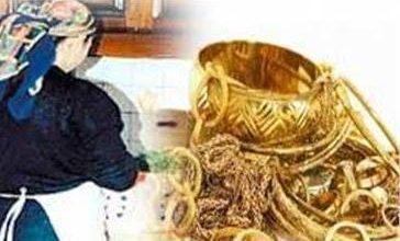Photo of القبض علي خادمة بتهمة سرقة كمية من المشغولات في أحد المنازل