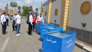 Photo of أيمن مختار يتفقد صناديق القمامة بدعم الجهود الذاتية
