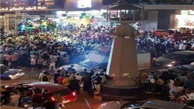 Photo of بسبب التزاحم ..تم غلق مطعم يوتيوبر شهير أثناء إفتتاحه