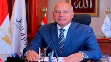 Photo of وزير النقل يعرب عن إنزعاجه من تأخر القطارات ويطالب بحل الأزمة