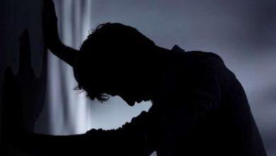 Photo of عاطل ينتحر شنقا داخل شقته لمرور بأزمة نفسية