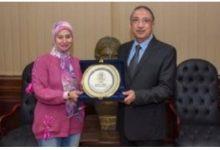 Photo of تعرف علي أفضل موظفة حكومية عربية